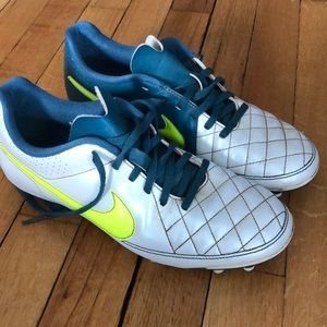 Nike Tiempo Soccer Cleats size 8.5